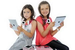 Частое использование маленькими детьми планшетов сокращает время их сна