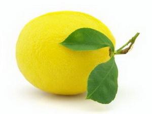 Полезна ли вода с лимоном для здоровья?