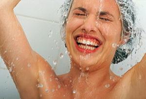 Холодный душ перезагружает иммунную систему и оздоравливает организм