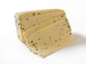 Сыр с плесенью и горох защитят от рака печени