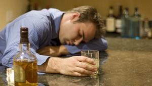 Окружение заставляет людей злоупотреблять алкоголем