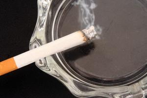 Бросать курить необходимо не позднее 45 лет