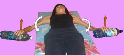 Рис. 15. Аутомобилизация наружных ротаторов плеча в положении лёжа на спине с гантелями