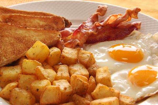От утреннего приема пищи лучше не отказываться