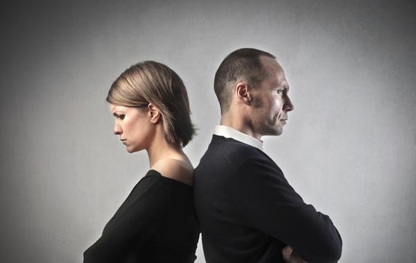 Извинения понижают давление у женщин и повышают у мужчин