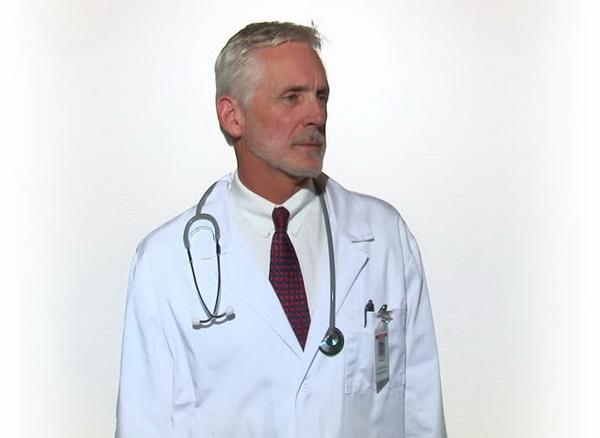 Медики предупредили об опасности галстуков для мужчин