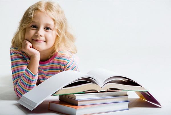 Эксперты не советуют покупать детям книги с обилием иллюстраций