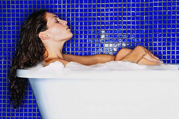 Ежедневная горячая ванна защитит от инсульта