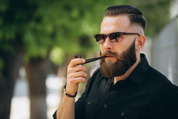 Бороду и усы опасно носить в эпидемию гриппа и ОРВИ