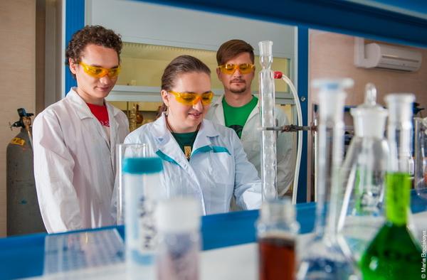 Нейтрофил – друг липосомы: Ученые НИТУ «МИСиС» обнаружили новый фактор эффективной доставки лекарств в опухоли